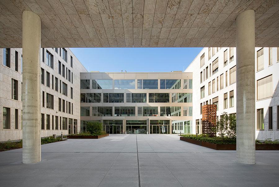 Fachada ventilada. proyecto arquitectónico DATEV IT Campus 111